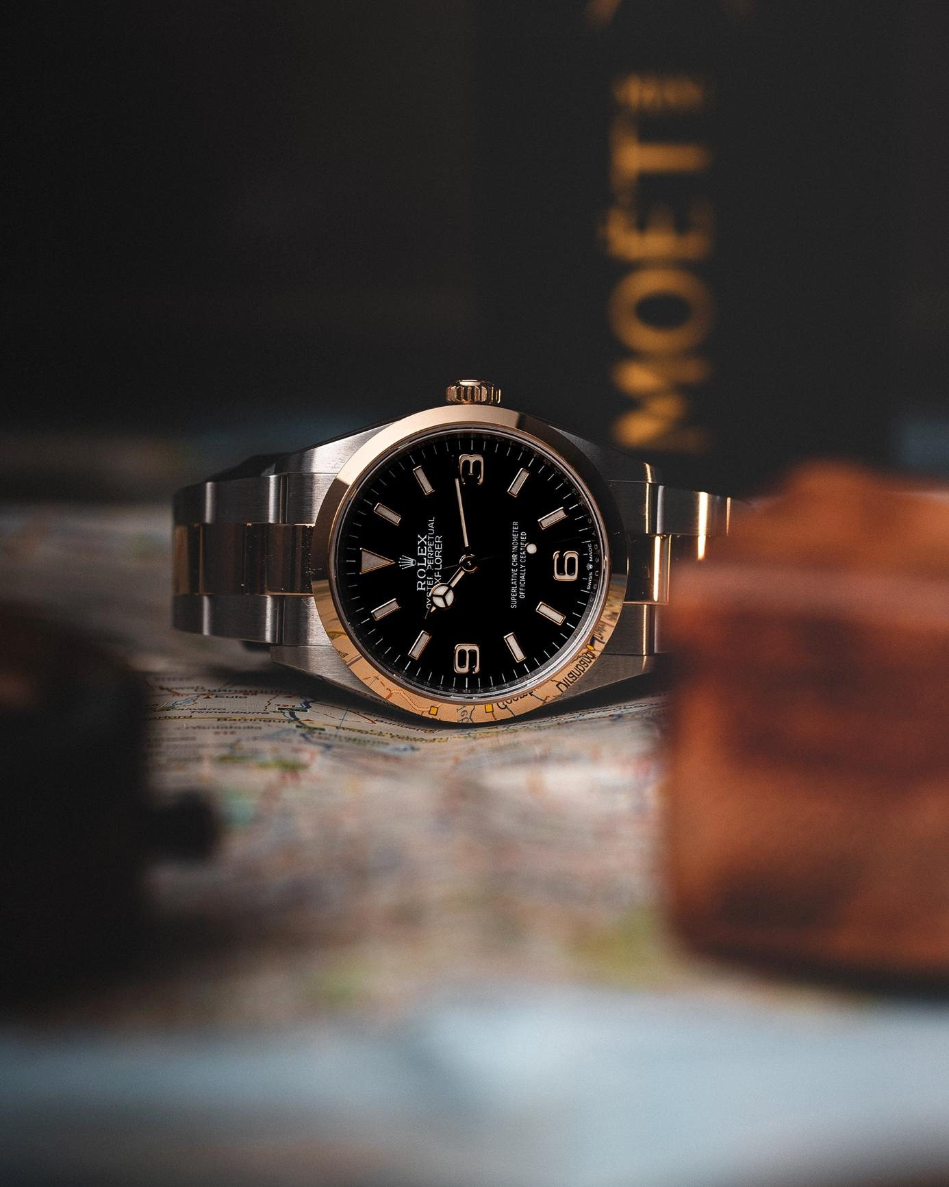 A close up of a watch  Description automatically generated with medium confidence
