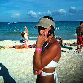 by Cristobal Garciaferro Rubio - Instagram & Mobile iPhone ( waiting for your call )