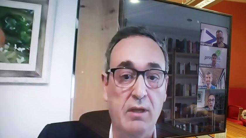 Manuel Sánchez, gerente de Empresas de la Dirección Territorial de Cajamar.