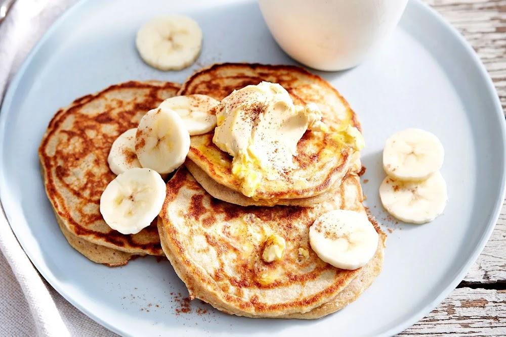 minimum-ingredients-breakfast_three_ingredient_pancake