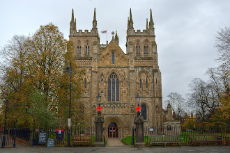 Photo: Selby Abbey. A dark, overcast and soon to rain day.