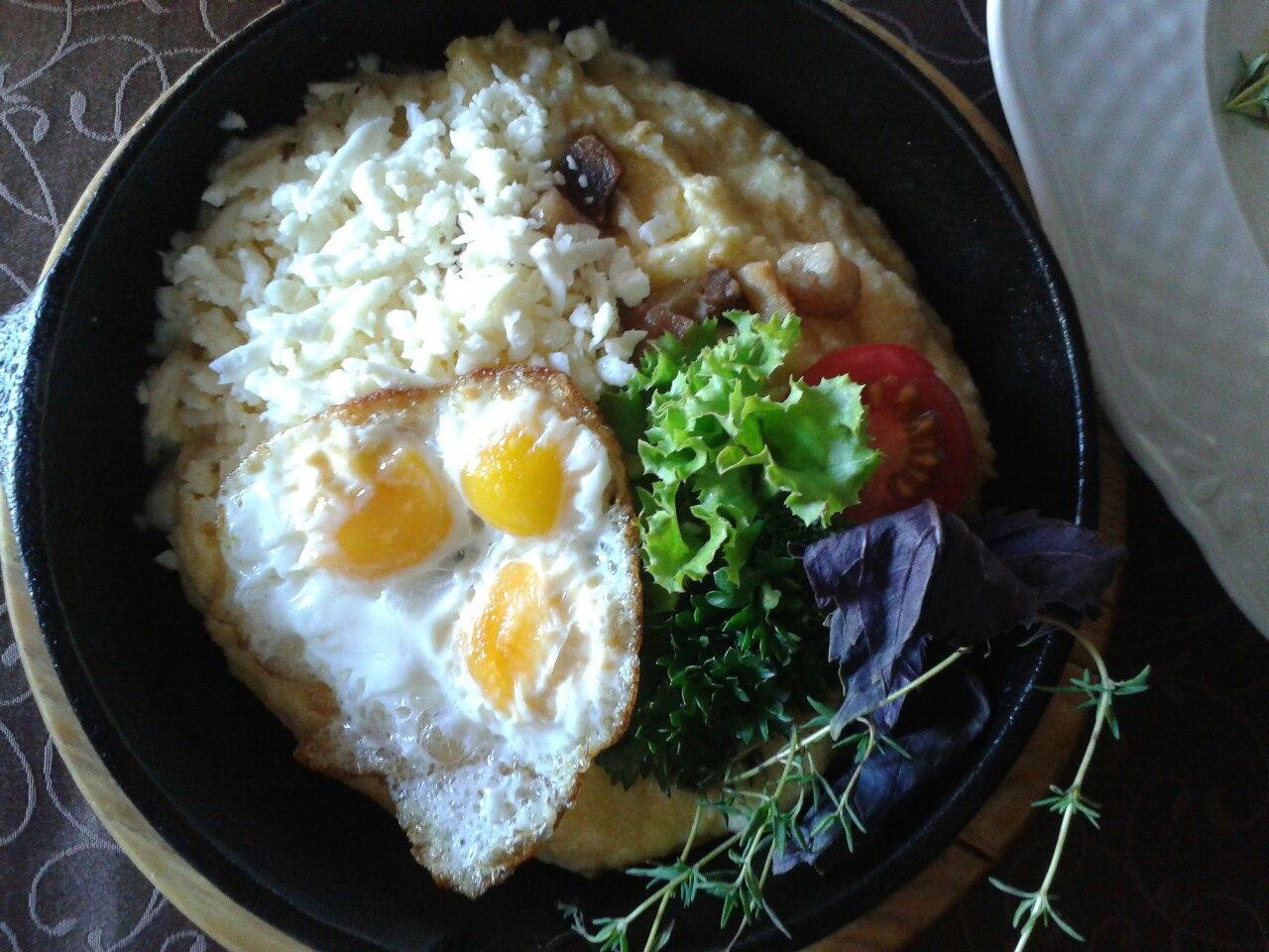 Національна гуцульська страва - банош