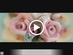 Video: Rose in ceramica completamente modellate e dipinte a mano