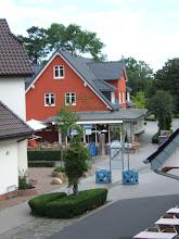 Photo: Orts-Impressionen aus dem Ostseeheilbad ZINGST/ Darß( Strandstraße, Zingst, mit Café SCUBO ) ( siehe auch www.freie-ferienwohnung-zingst.de und www.binz-zingst-kuehlungsborn.de )