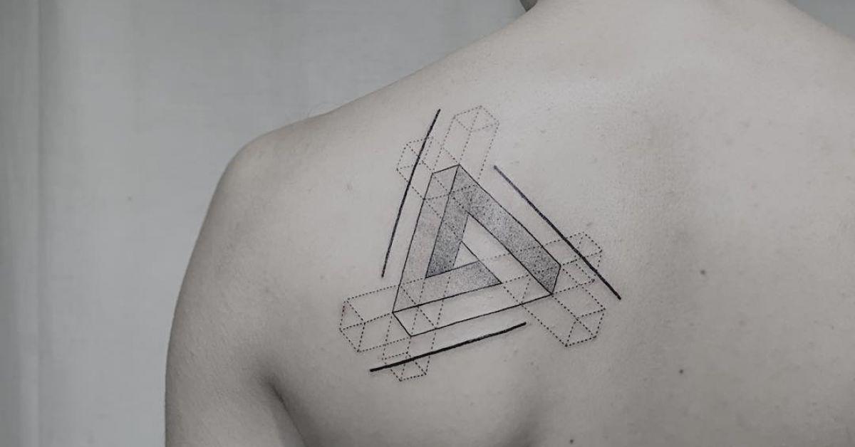 ลายสักสามเหลี่ยมหัวไหล่ 08