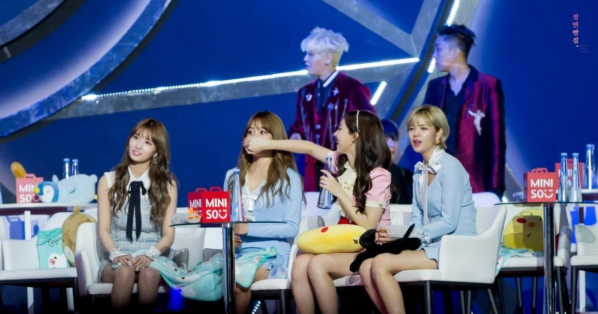 TWICE's hilarious reaction when BLACKPINK and EXO songs play - Koreaboo
