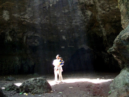 Cahaya di Goa Terawang, Blora