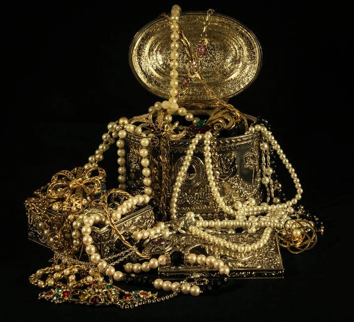 Pearl Jewelry Box Stock Image