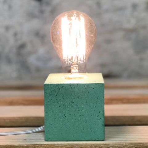 lampe cube béton vert