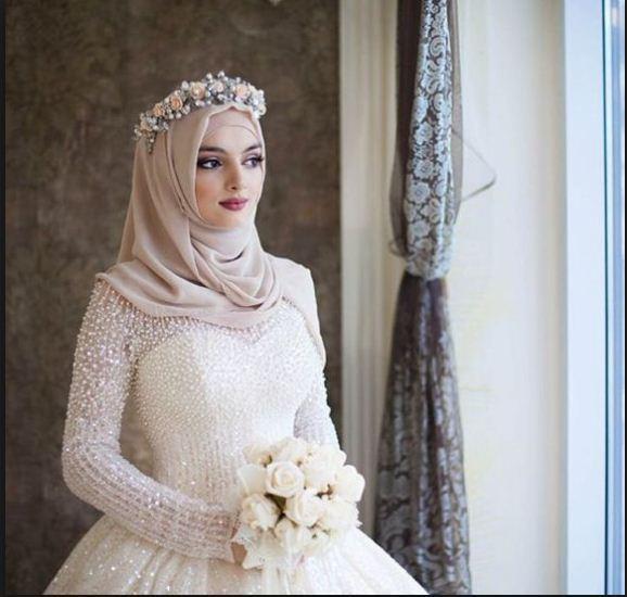 Ausgezeichnet Hijab Brautkleider Ideen - Kleider und Blumen ...