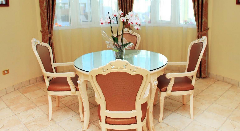 Flamingo Suites