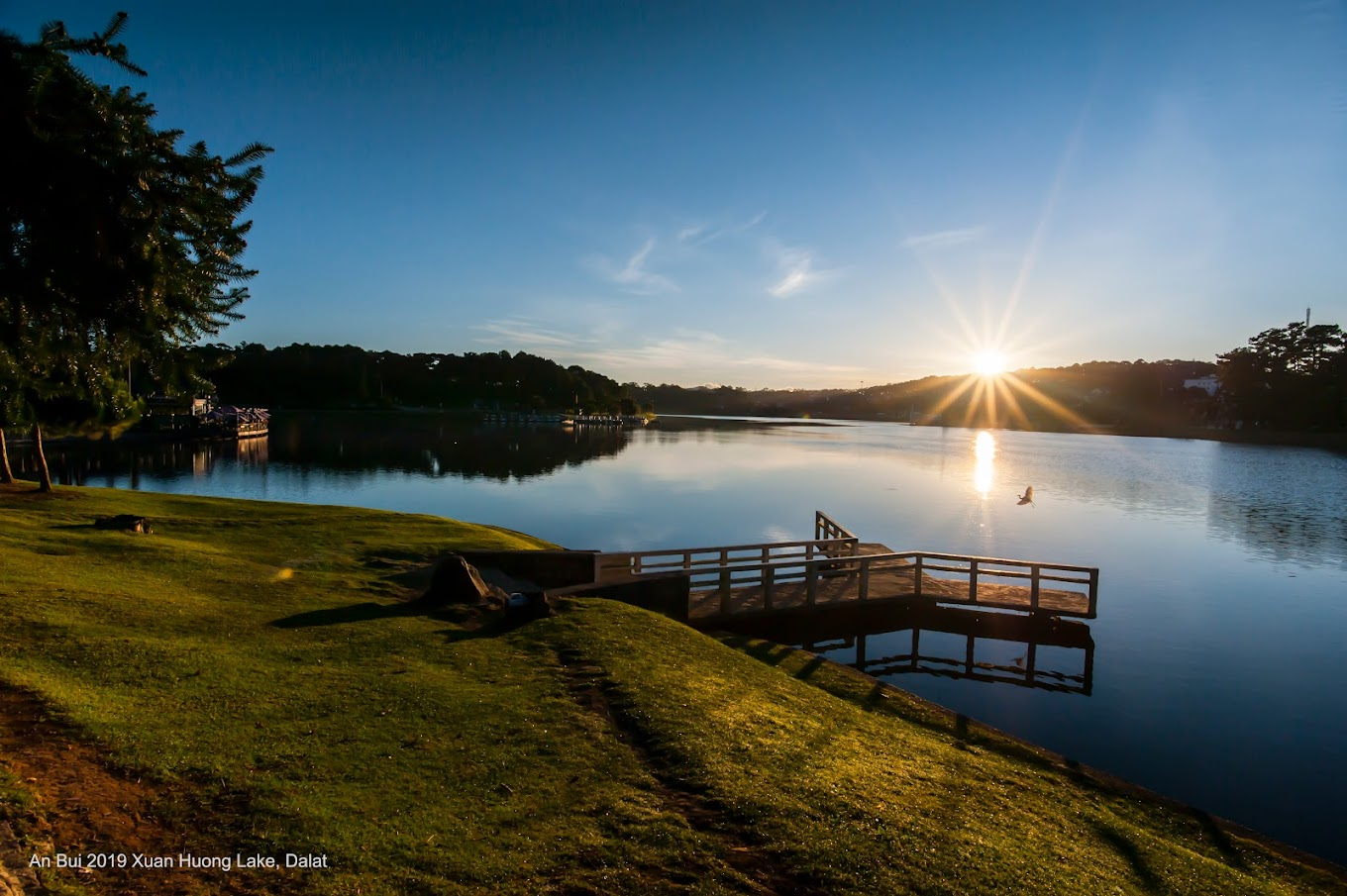 Xuan  Huong Lake in Da Lat in morning