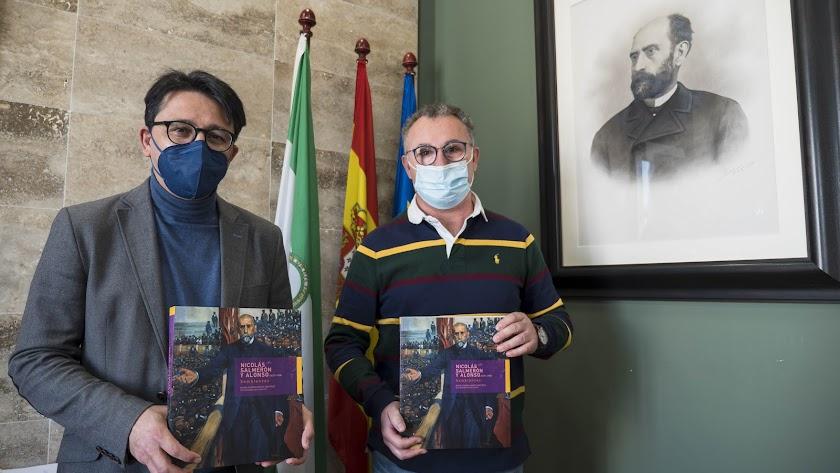 Manuel Guzmán y Cristóbal Rodríguez con algunos ejemplares.