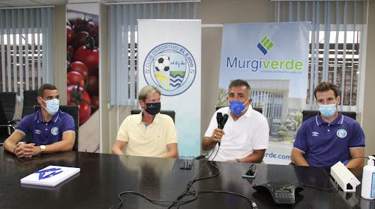 Gabi Ramos y Óscar García comparten el campo con Murgiverde