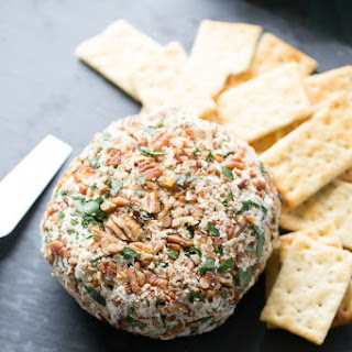 Roasted Garlic Asiago Cheese Ball