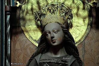 Photo: Die heilige Katharina von Alexandrien wurde von dem römischen Kaiser Gaius Galerius Valerius Maximinus hingerichtet.