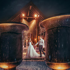 Wedding photographer Denis Baturin (baturindenis). Photo of 18.03.2017