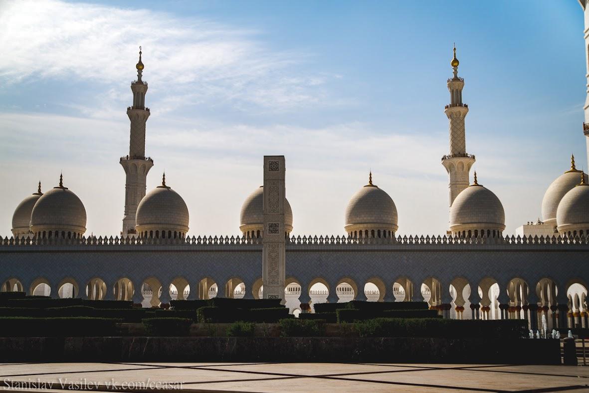 Северный вход в мечеть шейха Зайда