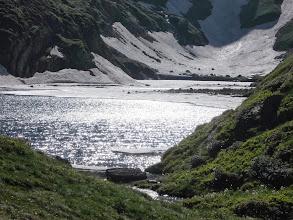 Photo: L'Etang long Glacé ,  au déversoir , au pied  du Col de Barlonguère