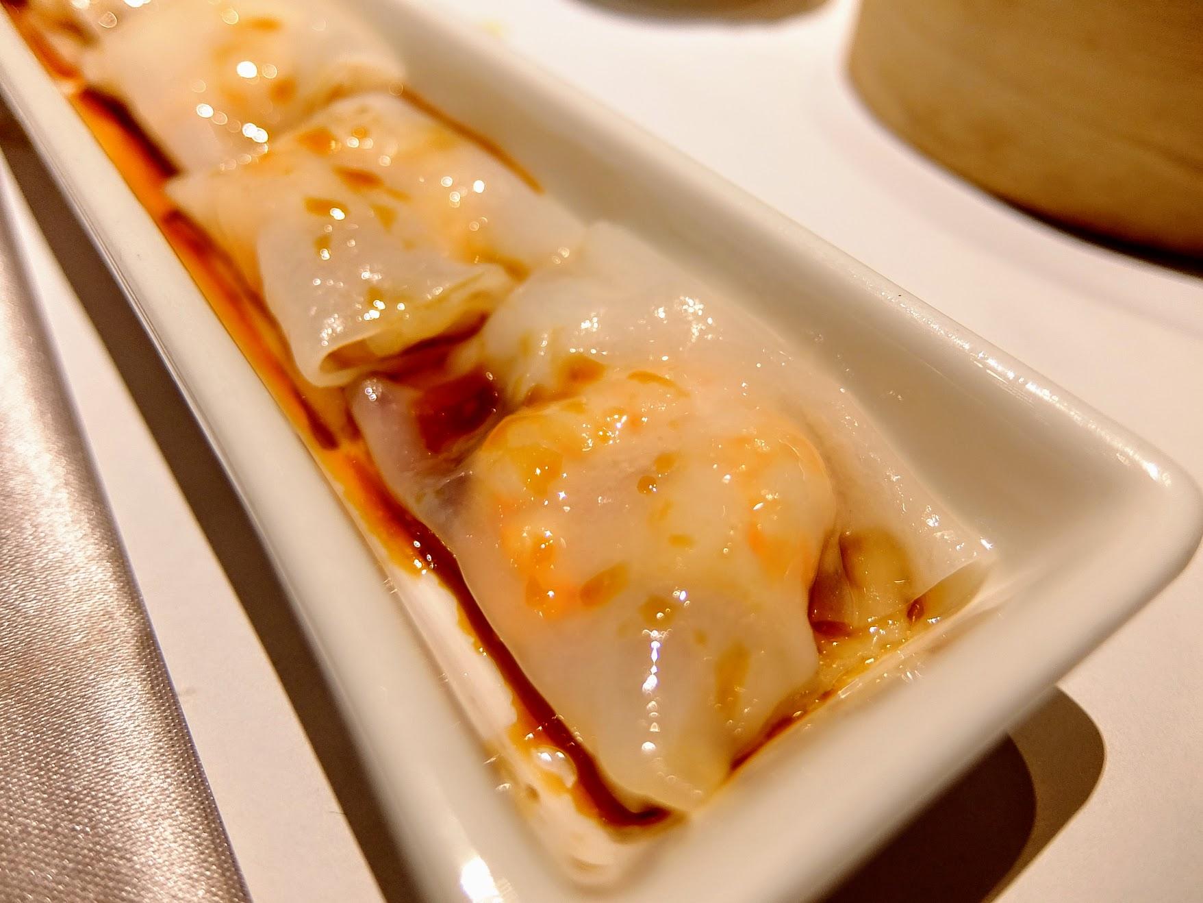 鮮蝦腸粉,粉皮內有一整隻蝦子,還不錯!