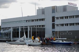 Photo: Firmapurjehduksen loppukokous Alban laiturissa Jyväsjärvellä.