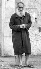 Photo: Kälte macht krank – und manchmal tötet sie auch, besonders wenn Menschen ihr schutzlos ausgeliefert sind. Seit der Wiedervereinigung, so schätzt die Bundesarbeitsgemeinschaft Wohnungslosenhilfe (BAGW), sind in Deutschland 300 Obdachlose erfroren.