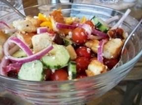 Easy Greek Panzanella Salad Recipe