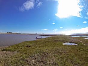 Photo: Toktuyaktuk. Lagune ensoleillé.