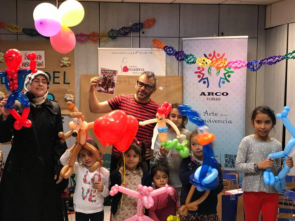 mago madrid en el día internacional del niño y fundación Madrina