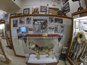 Photo: Visite du musée de Nome, Alaska en attendant la fenêtre météo