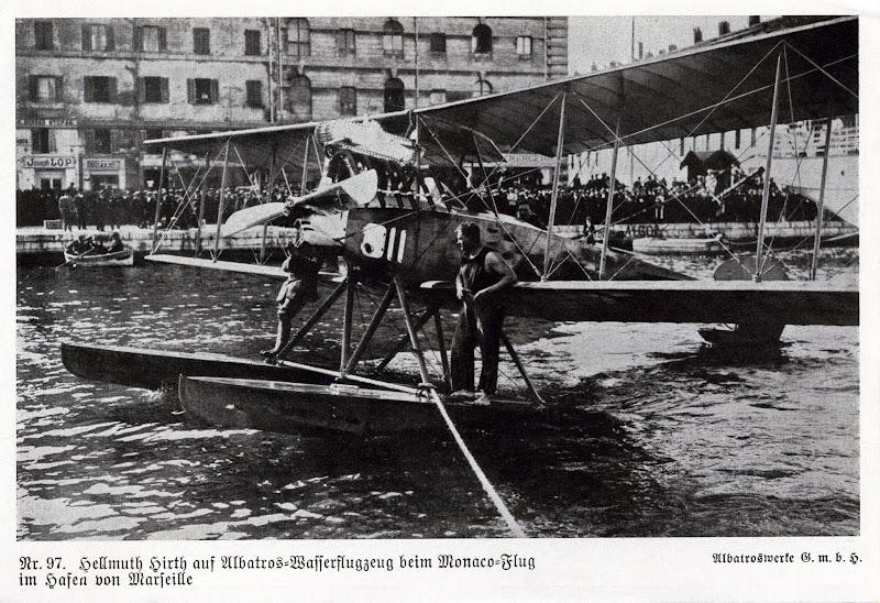 Photo: Hellmuth Hirth auf Albatros-Wasserflugzeug beim Monaco-Flug im Hafen von Marseille - Albatroswerke Gmbh 97 - Recto.jpg
