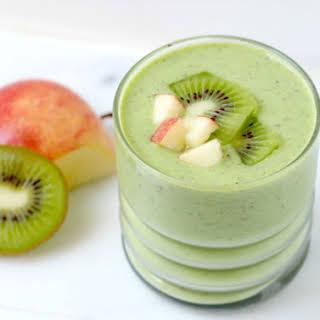 Kiwi Apple Green Smoothie.