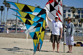 Photo: (l-r) Kites, Tad WAKEman, Kevin BayLESS. I capatilized the parts of their last names that they used to make Wakeless Kites. Pay no attention to the extra arm and legs in the photo.