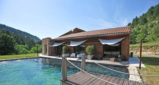 piscine-terrasse-détente-relaxation-soleil