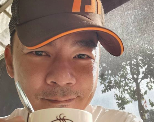 SG actor once lived in his car for four months and had to shower at a club with cheap membership fees