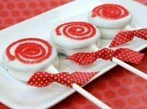 Peppermint Cookie Lollipops