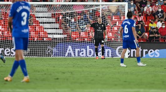 Fernando seguirá en el Almería.