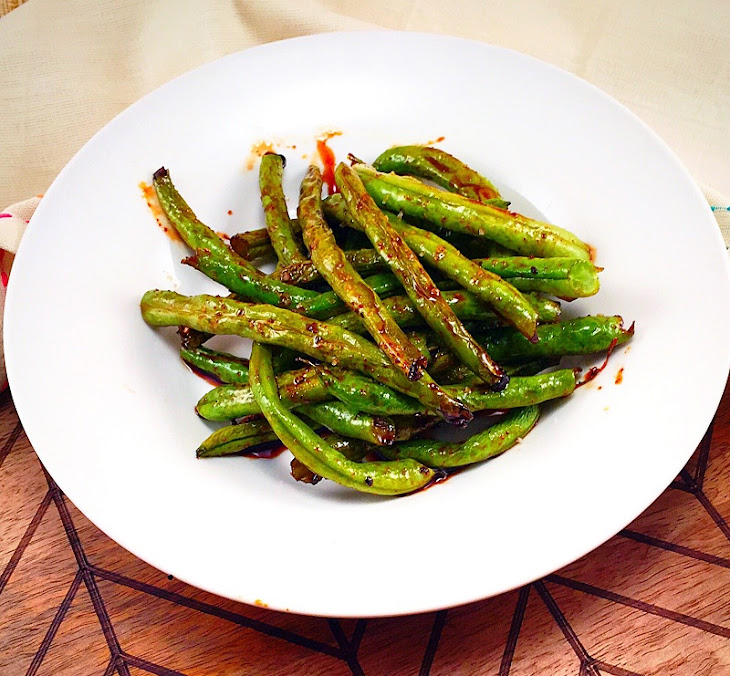 Spicy Honey Balsamic Roasted Green Beans Recipe | Yummly