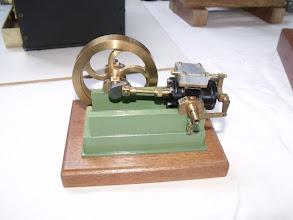Photo: ....... petit mais superbe moteur vapeur ......