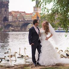 Wedding photographer Kseniya Buraya (OBura). Photo of 02.10.2017