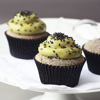 Black Sesame Matcha Cupcakes [Printable Recipe]