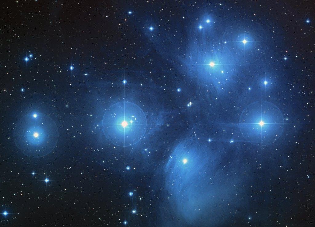 Viết trong những vì sao: Một suy tư Ngày Giáng Sinh