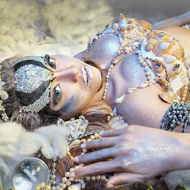 shell Queen by Rocky Jaya - People Fashion