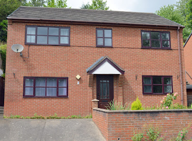 Detached split-level house