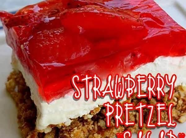 Strawberry Pretzel Cake
