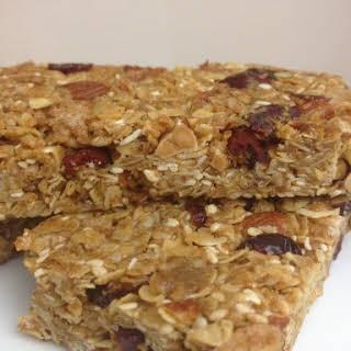 Homemade and Healthy Granola Energy Bars.
