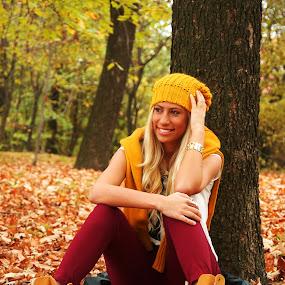 Fashion autumn by Milan Milosevic ヅ - People Fashion ( fashion, girl, autumn, color, fall, beautiful, leaves, pretty )