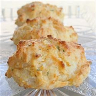 Quick Cheddar Garlic Biscuits