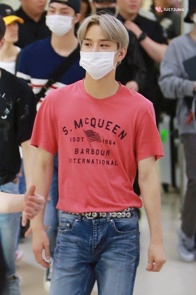 angularshoulders_jungwoo2