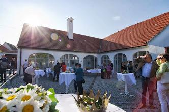 Photo: Stimmungsvolle Dekorationen von Christine Reschl im Alten Kloster beim Gartenfest von ORGELockenhaus